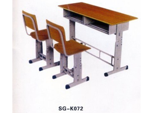 槃石课桌椅